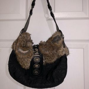Authentic Coach HO4K-9442 trimmed fur purse